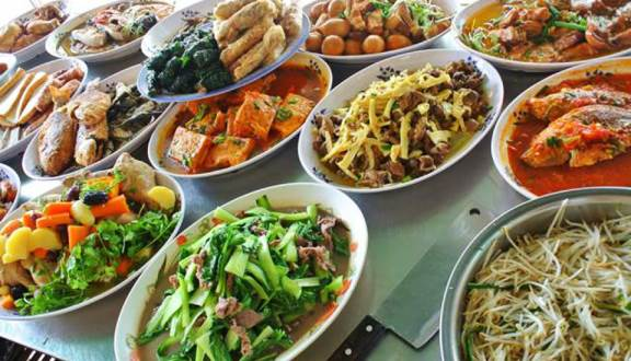 Top 10 địa chỉ quán cơm trưa văn phòng ngon tại Bình Tân